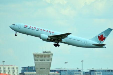 Air Canada traveler nods off on plane, awakens alone
