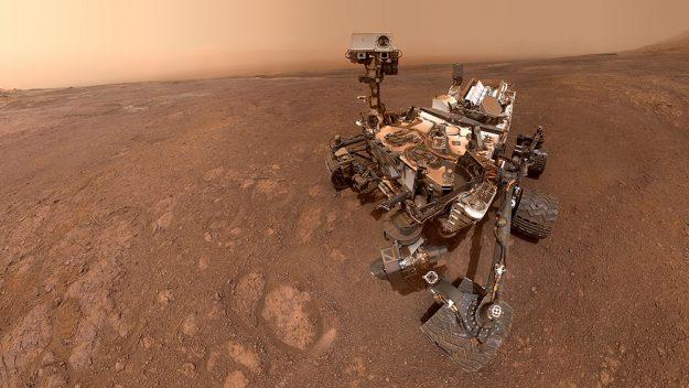 NASA's Curiosity rover took a scary photograph of the Mars skyline