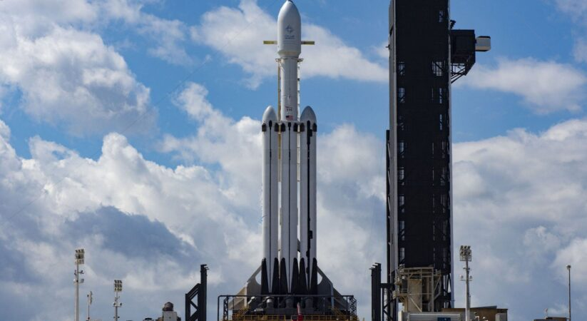 In 2024, NASA picks SpaceX Falcon Heavy for $332M mission to dispatch lunar Gateway parts