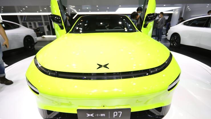 Chinese Tesla rival Xpeng to increase up to $2 billion from Hong Kong posting