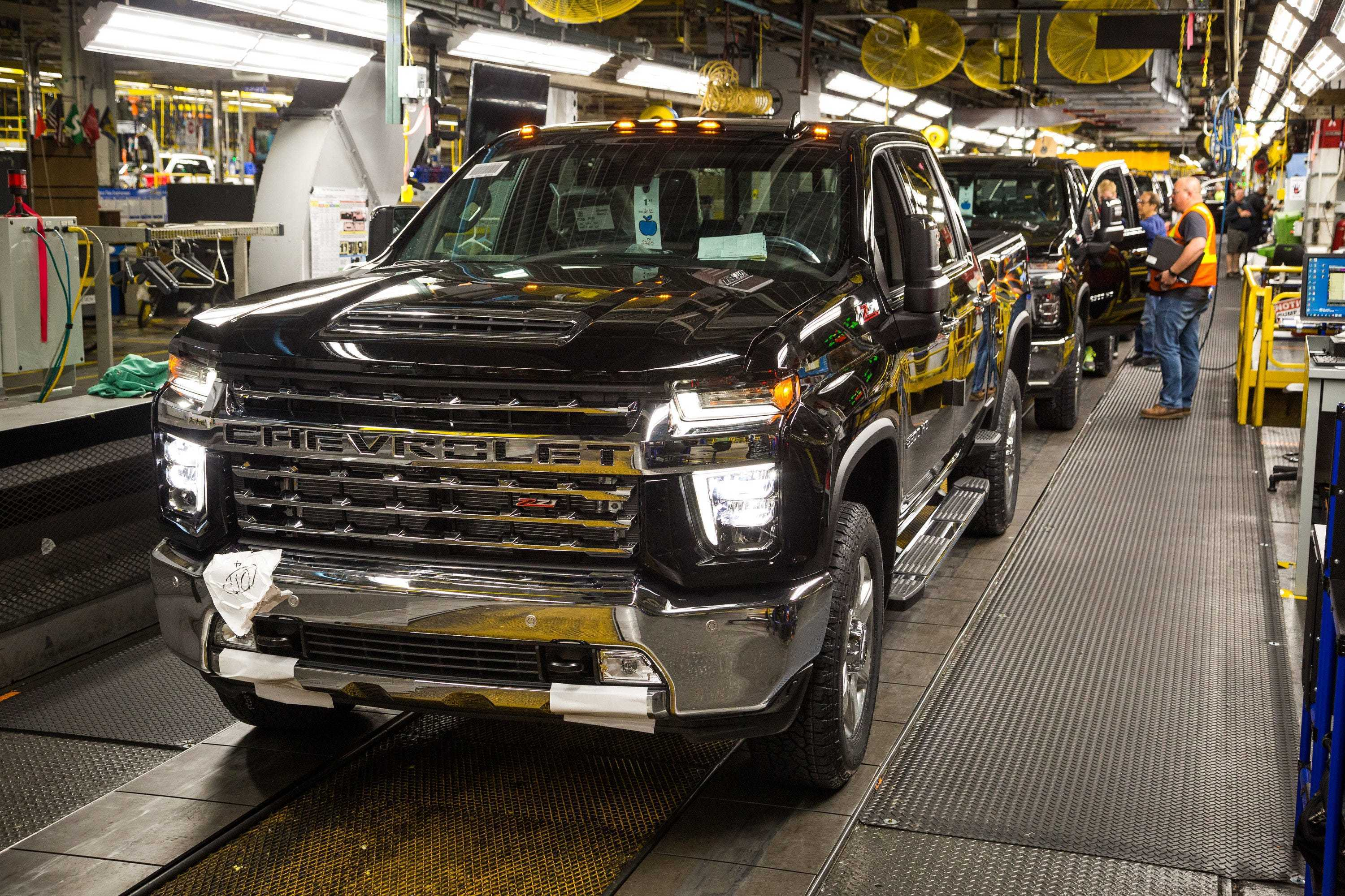 General Motors is closing down the majority of its pickup production for seven days