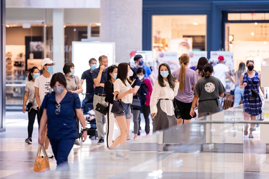 Health official supports masks around indoor groups, immunized or not