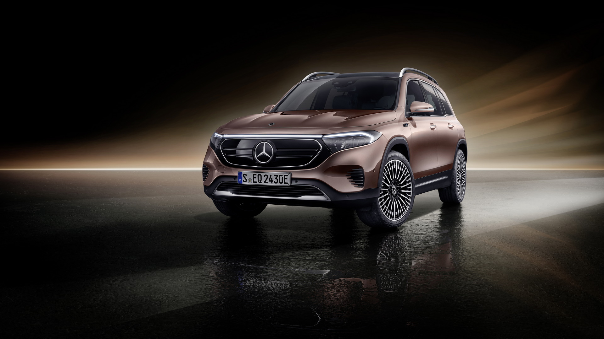 2022 Mercedes-Benz EQB electric SUV shows up in Europe, U.S. sales affirmed