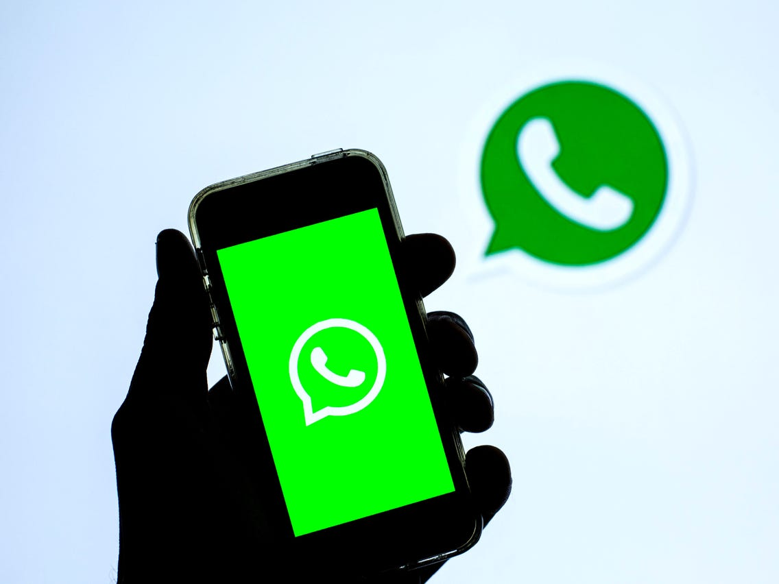 WhatsApp for iOS preparing Disappearing Messages feature and redesigned chat bubbles
