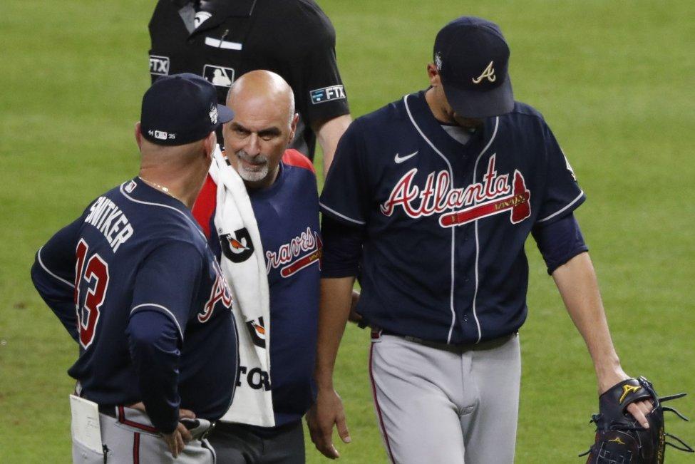 Atlanta Braves' Charlie Morton fractures fibula in Game 1 of World Series against Houston Astros